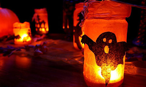 After a hayride, a lantern-bearing guide will lead you through the dark, pumpkin-lit woods to encounter various characters and uncanny situations. Click Here to Learn More